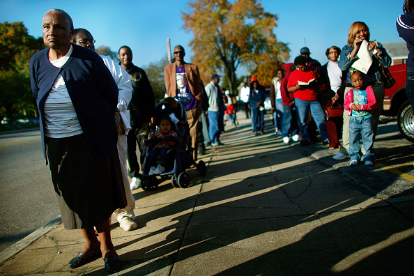 In A Row「African Americans In South Celebrate Obama's Historic Win」:写真・画像(11)[壁紙.com]