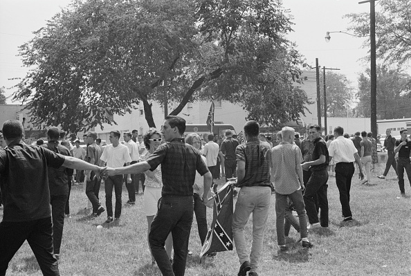 Holding Hands「Birmingham Campaign」:写真・画像(9)[壁紙.com]