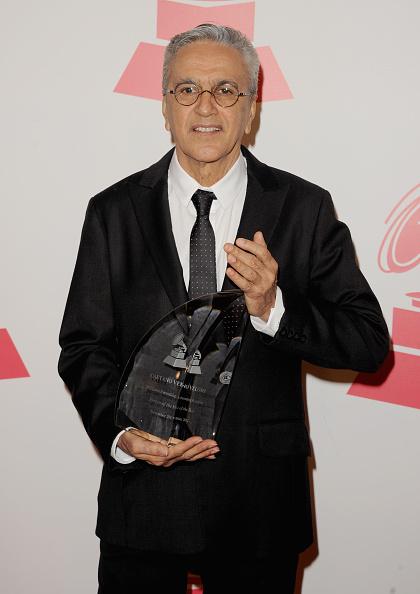 カエターノ ヴェローゾ「2012 Latin Recording Academy Person Of The Year Honoring Caetano Veloso - Arrivals」:写真・画像(15)[壁紙.com]