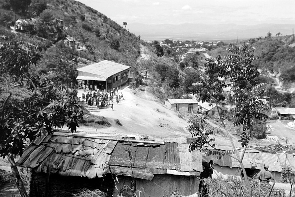 Island「Village School On The Outskirts Of Port-Au-Prince」:写真・画像(6)[壁紙.com]