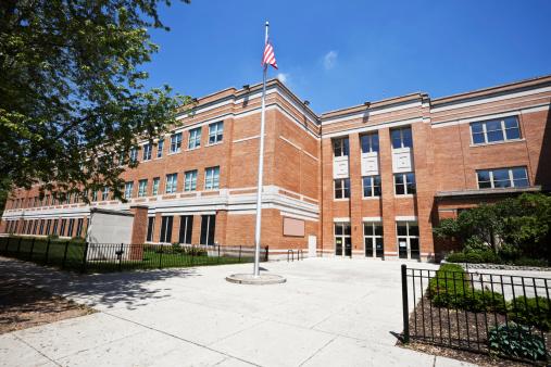 Flag「School Building in West Ridge, Chicago」:スマホ壁紙(9)