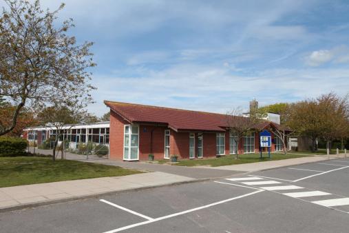 Parking Lot「School building,  UK infant/junior 5-11years」:スマホ壁紙(14)