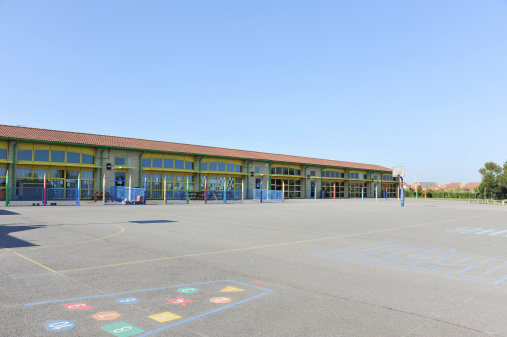 Elementary School Building「School building and playground」:スマホ壁紙(2)