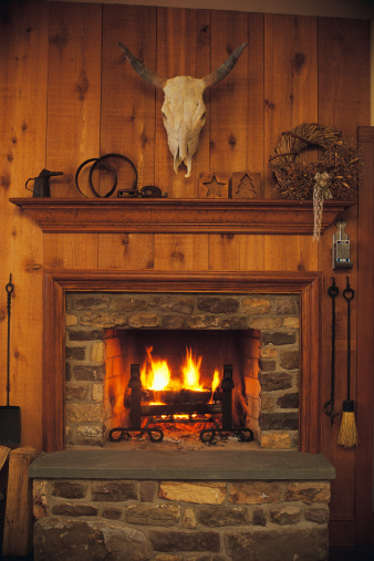 Rustic「Fireplace and mantle in rustic western lodge」:スマホ壁紙(6)