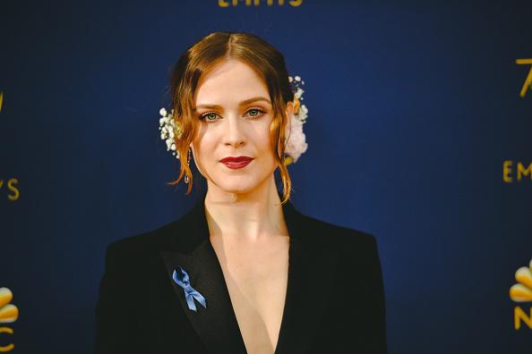 ドロップイヤリング「70th Emmy Awards - Creative Perspective」:写真・画像(14)[壁紙.com]