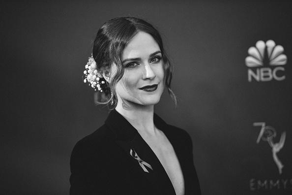ドロップイヤリング「70th Emmy Awards - Creative Perspective」:写真・画像(15)[壁紙.com]