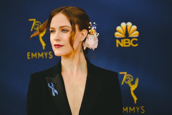 ドロップイヤリング「70th Emmy Awards - Creative Perspective」:写真・画像(16)[壁紙.com]