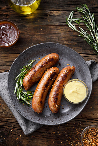 Plate「Sausages with dijon mustard sauce and seasoning」:スマホ壁紙(0)
