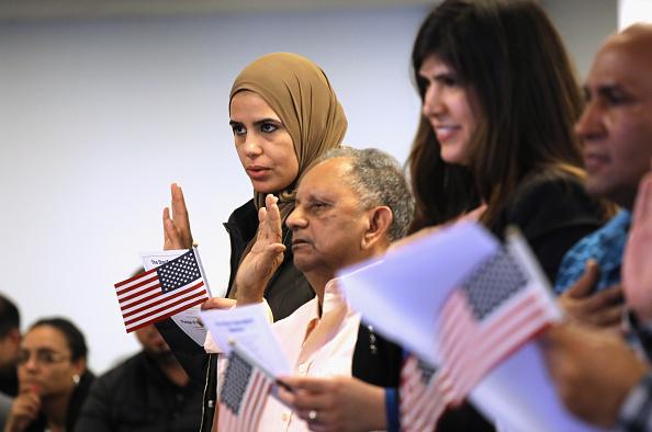 Citizenship「Immigrants Naturalized As US Citizens Despite Government Shutdown」:写真・画像(17)[壁紙.com]