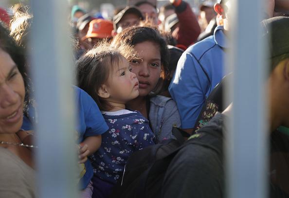 Baja California Peninsula「Immigrant Caravan Members Arrive At U.S.-Mexico Border」:写真・画像(14)[壁紙.com]