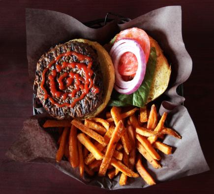 Burger「Burger and Sweet Potato Fries」:スマホ壁紙(10)