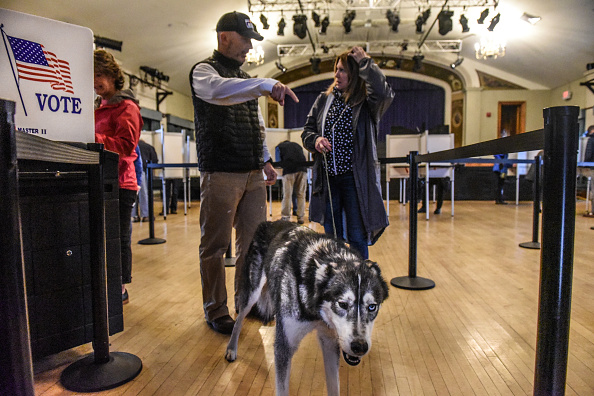 Stowe - Vermont「Voters Across The Country Head To The Polls For The Midterm Elections」:写真・画像(15)[壁紙.com]
