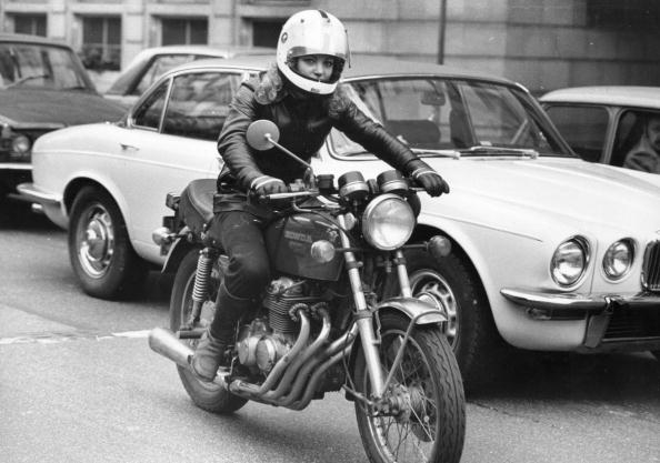 Females「Motorcyclist」:写真・画像(9)[壁紙.com]