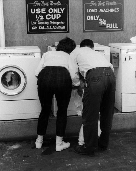 Laundromat「Washing Together」:写真・画像(7)[壁紙.com]