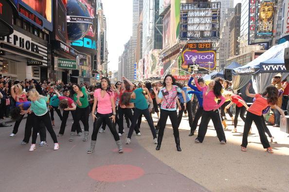 Suave「Sofia Vergara Joins Suave Professionals For Surprising New York Performance」:写真・画像(1)[壁紙.com]