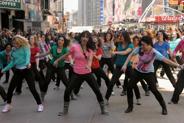 Suave「Sofia Vergara Joins Suave Professionals For Surprising New York Performance」:写真・画像(4)[壁紙.com]