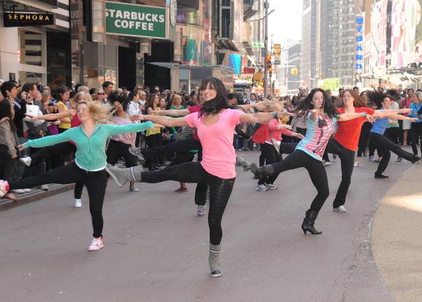 Suave「Sofia Vergara Joins Suave Professionals For Surprising New York Performance」:写真・画像(8)[壁紙.com]