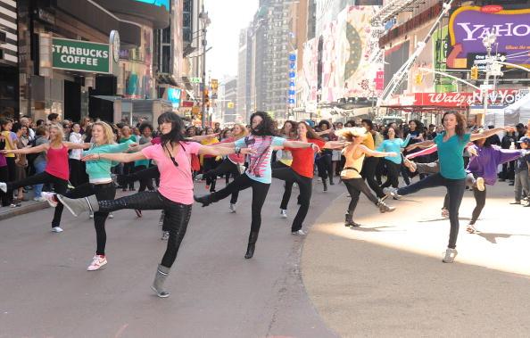 Suave「Sofia Vergara Joins Suave Professionals For Surprising New York Performance」:写真・画像(3)[壁紙.com]