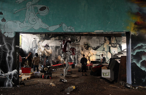 Overpass - Road「The New Mutate Britain Exhibition One Foot In The Grove Is Launched」:写真・画像(18)[壁紙.com]