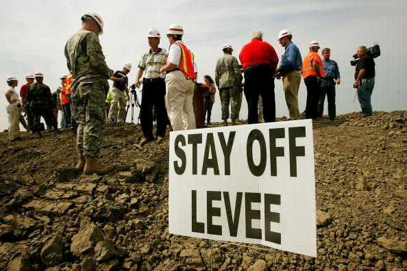 Levee「Work Continues On New Orleans' Levee System」:写真・画像(16)[壁紙.com]