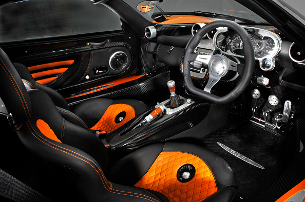 南国「2007 Pagani Zonda Roadster F」:写真・画像(13)[壁紙.com]