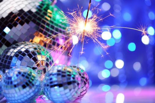 お正月「の装飾、ディスコボールのパーティや、スパークラー」:スマホ壁紙(10)