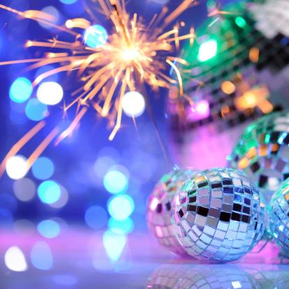 お正月「の装飾、ディスコボールのパーティや、スパークラー」:スマホ壁紙(4)