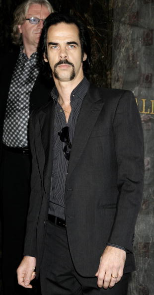 Fully Unbuttoned「The Q Awards 2005- Arrivals」:写真・画像(0)[壁紙.com]