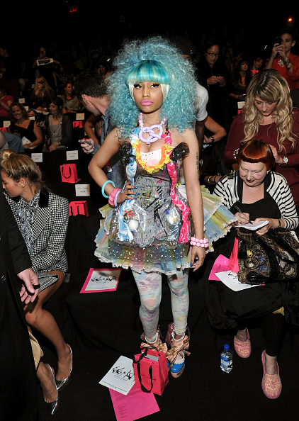 Spring Collection「Betsey Johnson - Front Row - Spring 2012 Mercedes-Benz Fashion Week」:写真・画像(0)[壁紙.com]