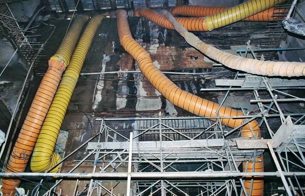 Duct「Ventilation tubes for station excavation, Singapore NJE line metro」:写真・画像(2)[壁紙.com]