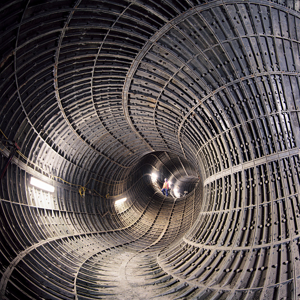 2002「Ventilation and escape tunnel on the Jubilee Line of the London Underground. United Kingdom.」:写真・画像(11)[壁紙.com]