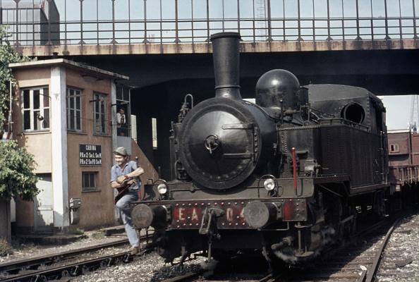 Finance and Economy「A scene at Savonna Docks with Emilio Astengo No. 04 an 0-8-0T ex Italian Sud-Est Railway No. 14 on Monday 4th September 1972.」:写真・画像(7)[壁紙.com]