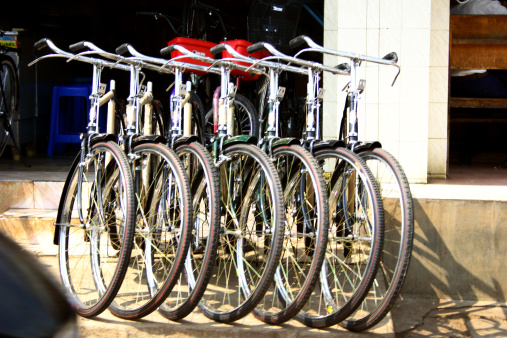 Focus On Background「Cycles at a cycle shop」:スマホ壁紙(5)