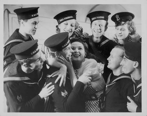 Sailor「Geoffrey Wright And Hermione Gingold」:写真・画像(16)[壁紙.com]