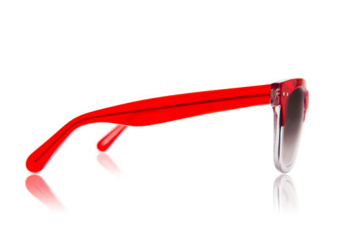 Side View「A pair of red sunglasses viewed from the side」:スマホ壁紙(16)