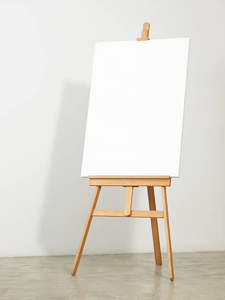 Easel with vertical canvas:スマホ壁紙(壁紙.com)