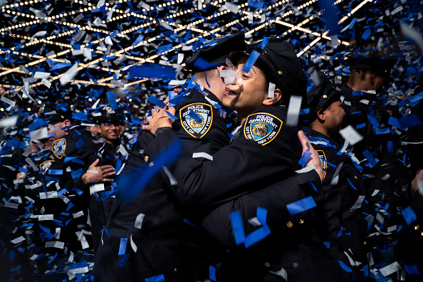Bestpix「Graduation Ceremony Held For New Members Of New York City Police Department」:写真・画像(2)[壁紙.com]