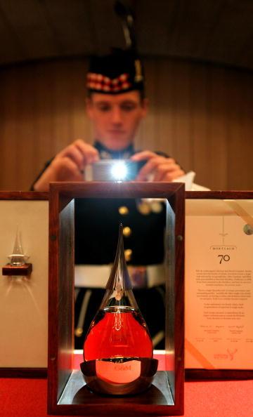 Bottle「Rare Whisky Is Launched In Edinburgh」:写真・画像(7)[壁紙.com]