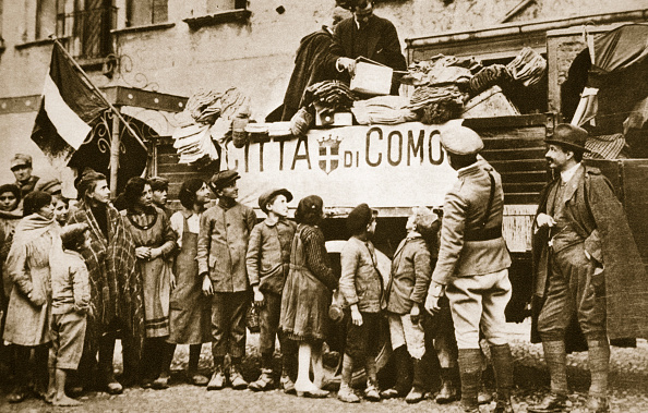 Tricolor「Red Cross Supplies For War Victims In Como Italy World War I circa 1914-circa 1918」:写真・画像(12)[壁紙.com]