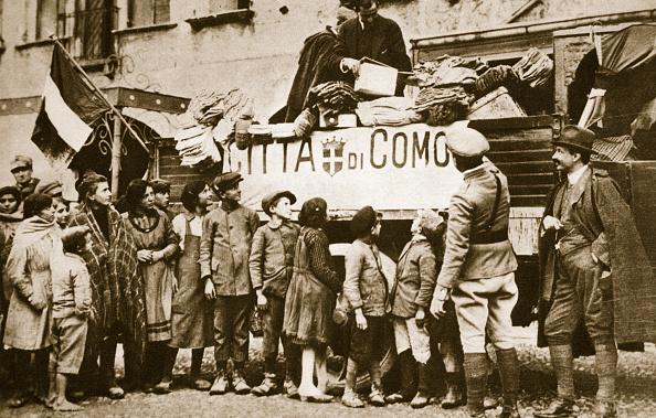 Photography「Red Cross Supplies For War Victims In Como Italy World War I circa 1914-circa 1918」:写真・画像(1)[壁紙.com]