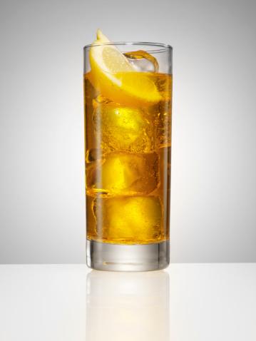 Gray Background「highball cocktail with lemon」:スマホ壁紙(17)