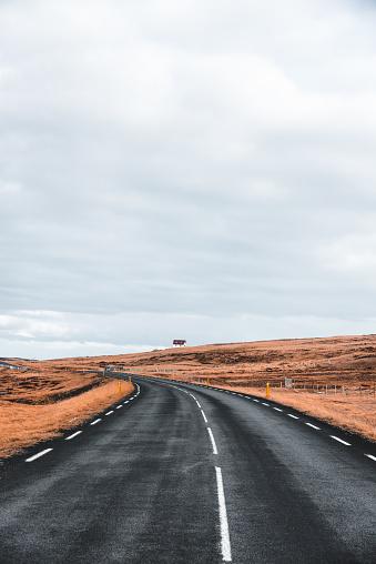Empty Road「on the road in iceland」:スマホ壁紙(7)