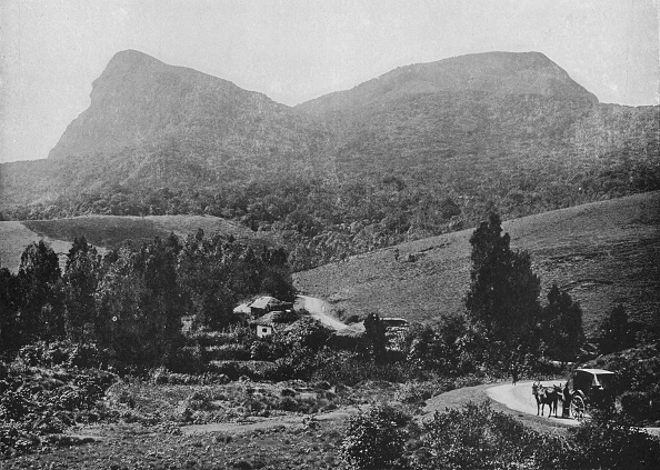 Crockery「'On the Road to Hakgalla. Hakgalla Rock in the Distance', c1890,」:写真・画像(19)[壁紙.com]