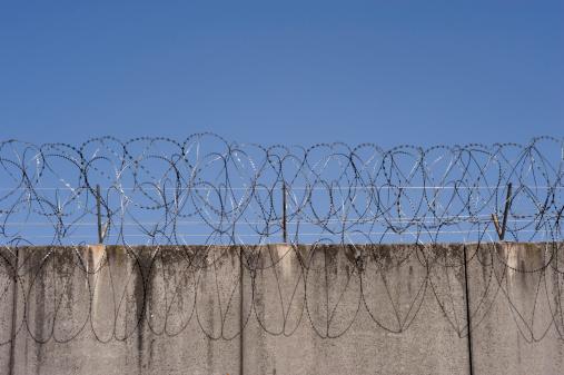Prisoner「Prison wall」:スマホ壁紙(6)