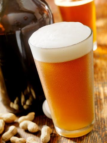 Beer Glass「Pint of Beer」:スマホ壁紙(12)