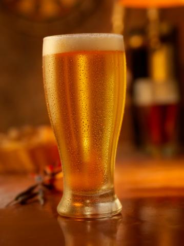 スイセン「ジョッキのビール」:スマホ壁紙(4)