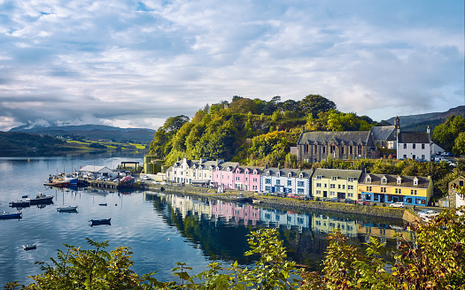 Village「Portree, Isle of Skye, Scotland」:スマホ壁紙(7)