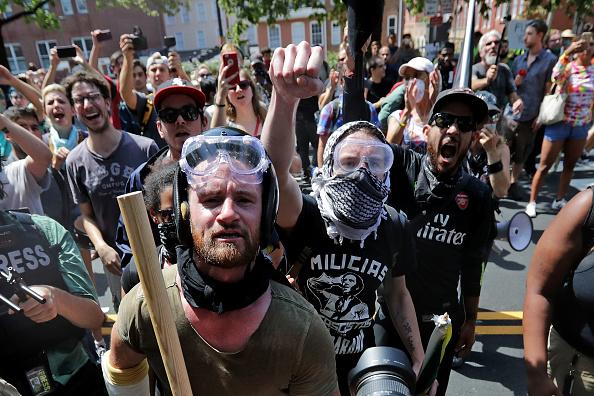 シャーロッツビル エマンシペーション公園「Violent Clashes Erupt at 'Unite The Right' Rally In Charlottesville」:写真・画像(19)[壁紙.com]
