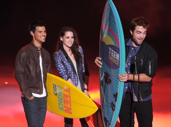 ロバート・パティンソン「Teen Choice Awards 2012 - Show」:写真・画像(1)[壁紙.com]