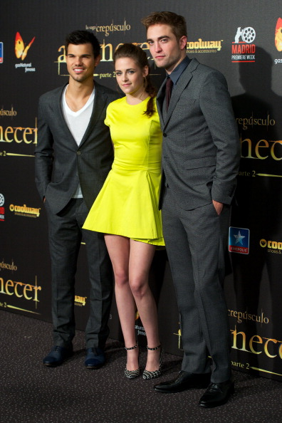 ロバート・パティンソン「'Breaking Dawn - Part 2' Madrid Premiere」:写真・画像(9)[壁紙.com]
